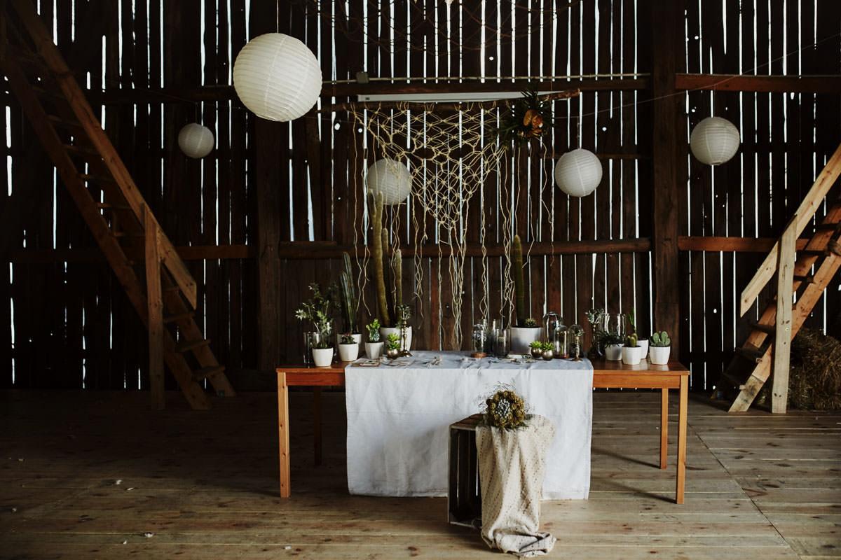 Folwark Wiązy - rustykalne dekoracje ślubne