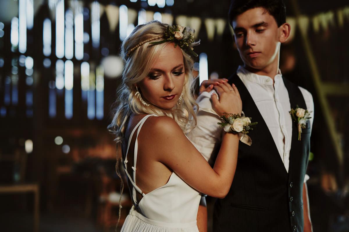 Para Młoda ślub Boho