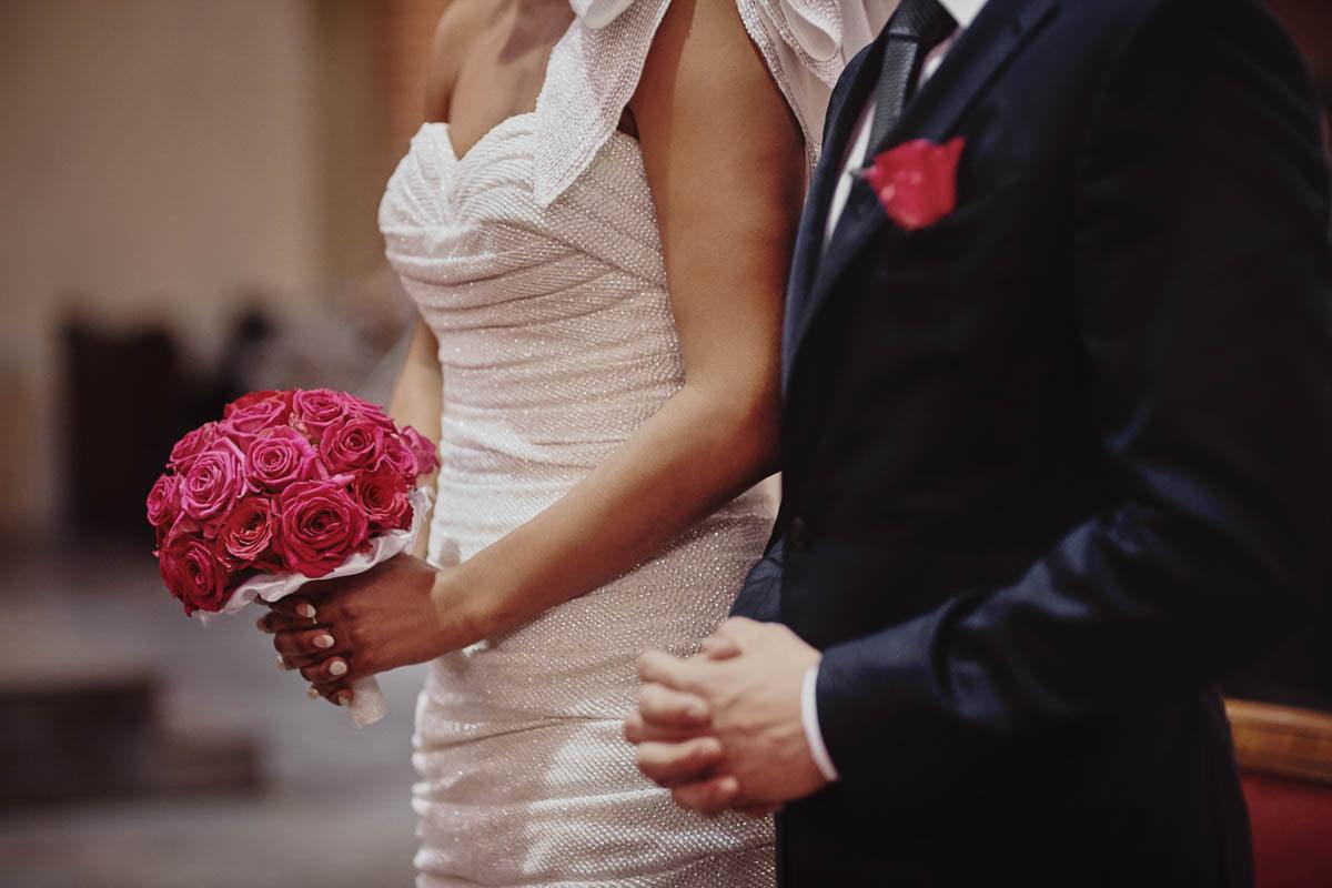 ślub w kościele - bukiet ślubny - zamek gniew