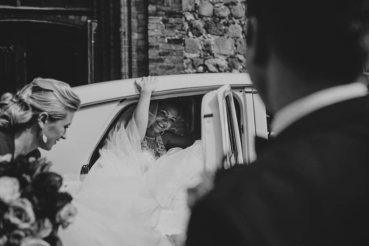 ceremonia ślubna - przyjazd do kościoła