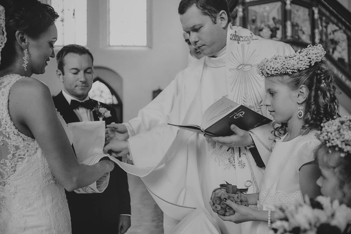 ceremonia ślubna - przy ołtarzu