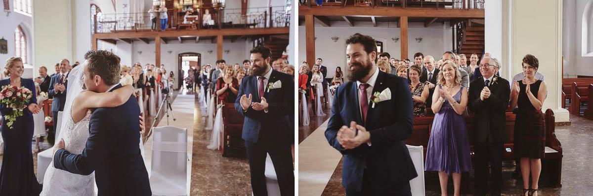 ceremonia ślubna - goście biją brawa