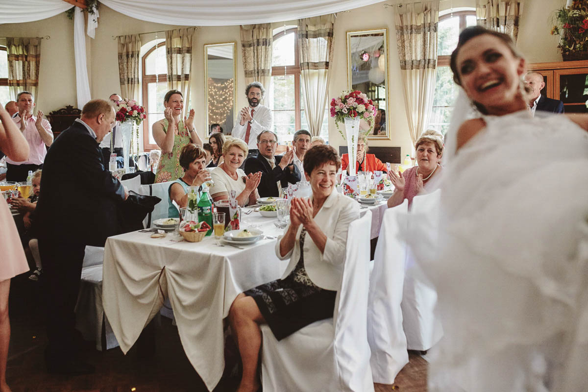 folwark wirówek wesele - wprowadzenie na salę