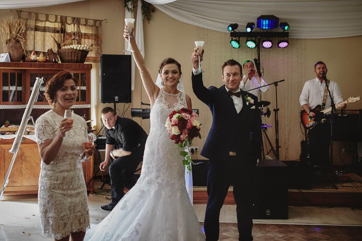 wolwark wirówek wesele - pierwszy toast