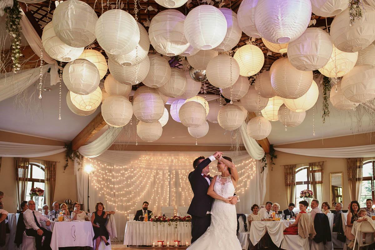 folwark wirówek wesele - pierwszy taniec na weselu