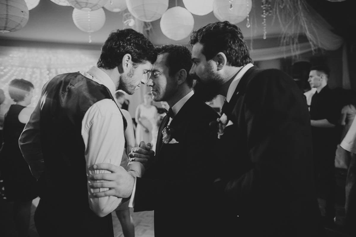 wolwark wirówek wesele - pan młody ze przyjaciółmi