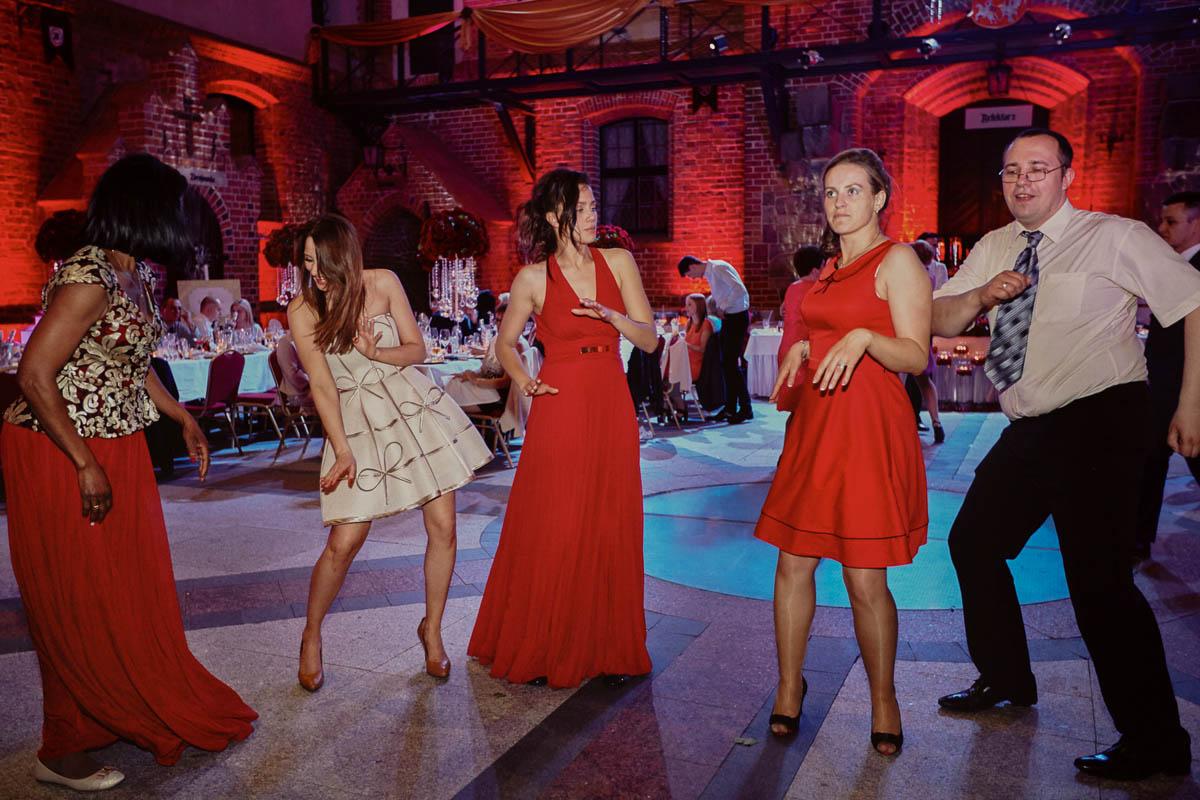 zamek gniew wesele - taniec na weselu