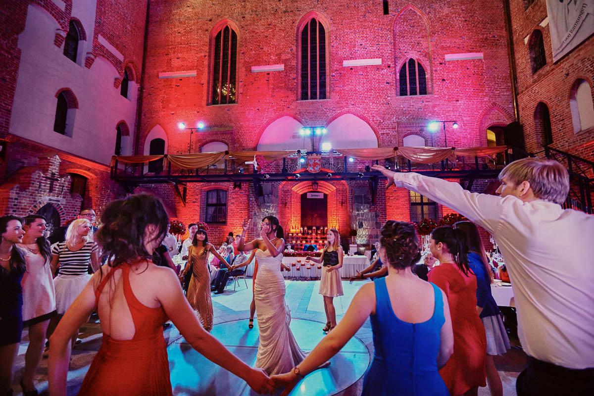 zamek gniew wesele - oczepiny na weselu