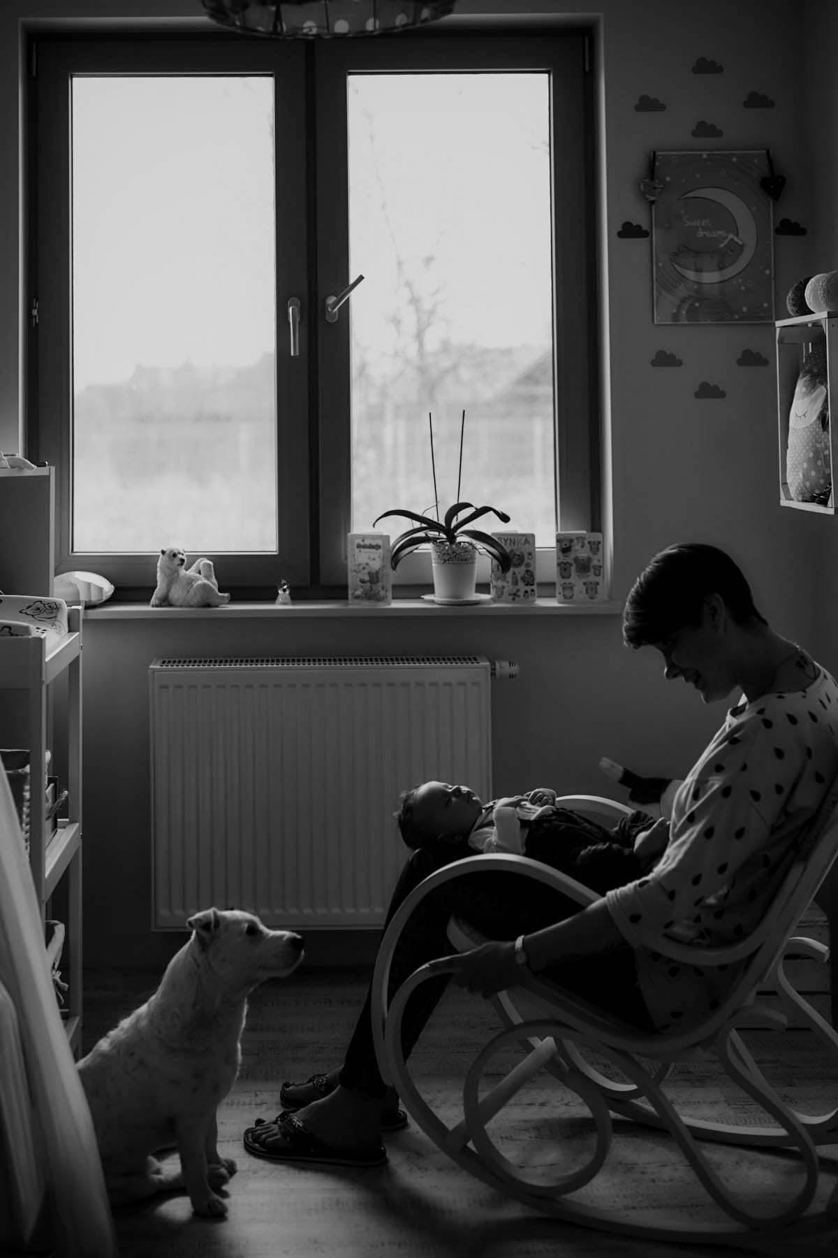 sesja rodzinna Świnoujście śpiące na kolanach dziecko