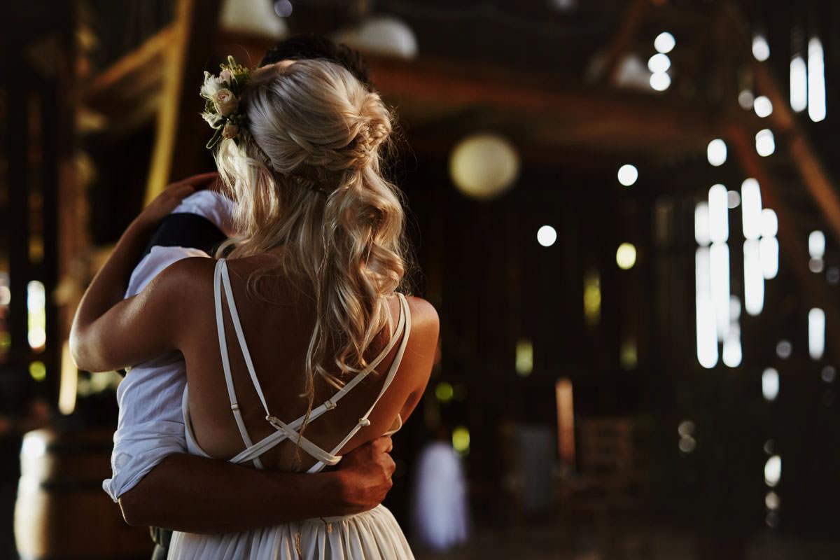 Całe życie człowiek się uczy - Rustykalna sesja ślubna 22