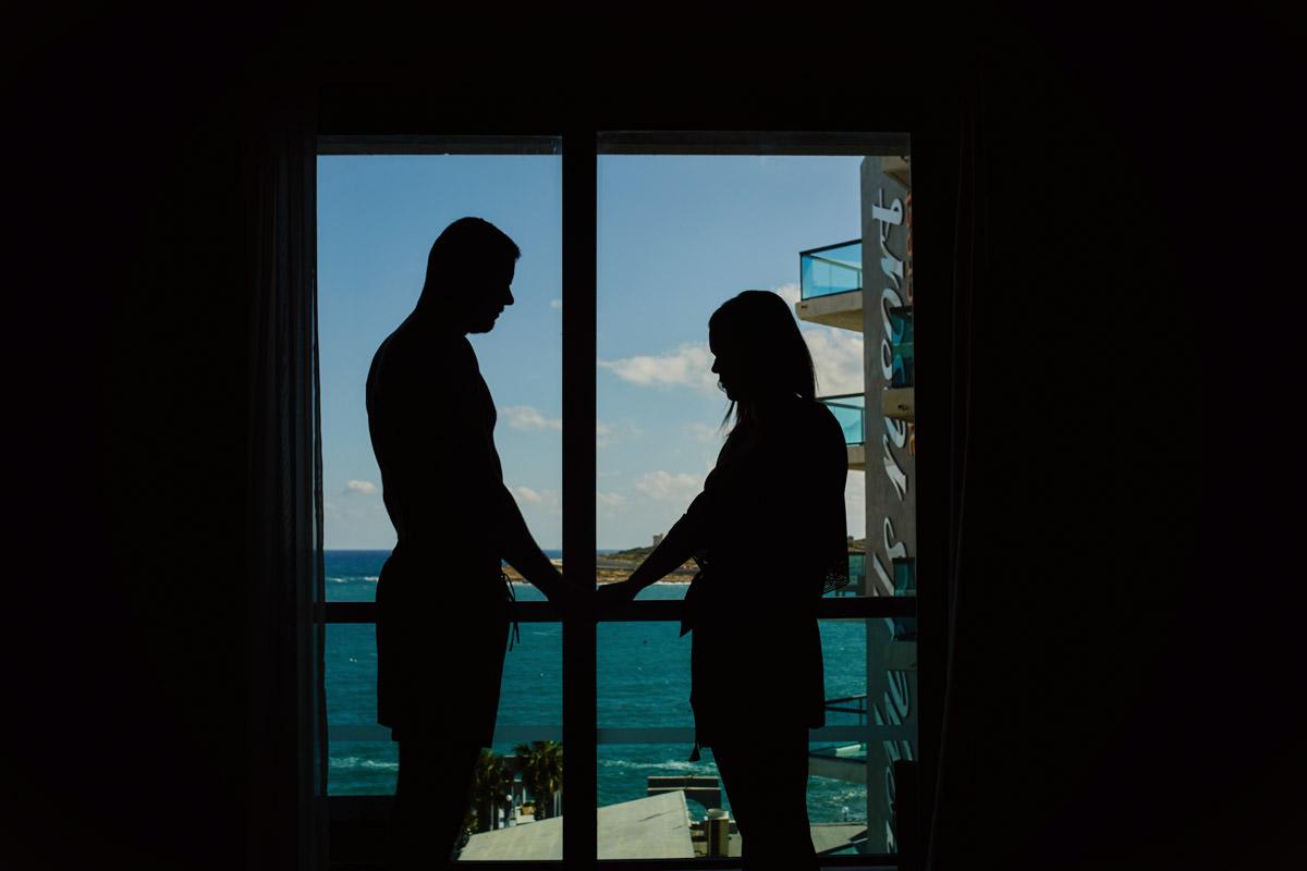 zdjecia ślubne malta - zdjecie pod światło