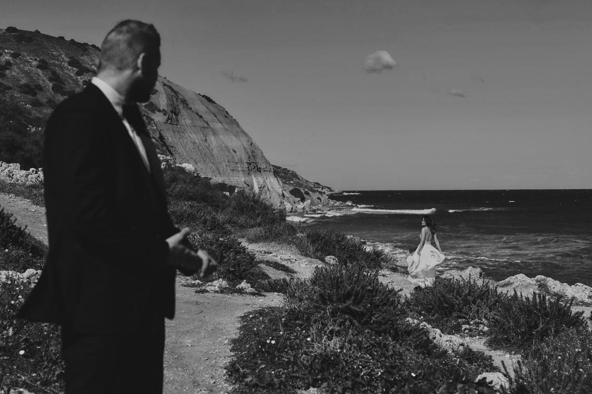 zdjecia ślubne malta - Ramla Bay męższczyzna