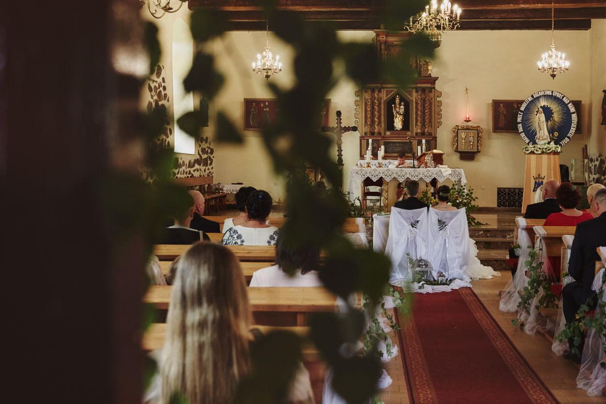 kosciół Przybiernów - ołtarz w kościele