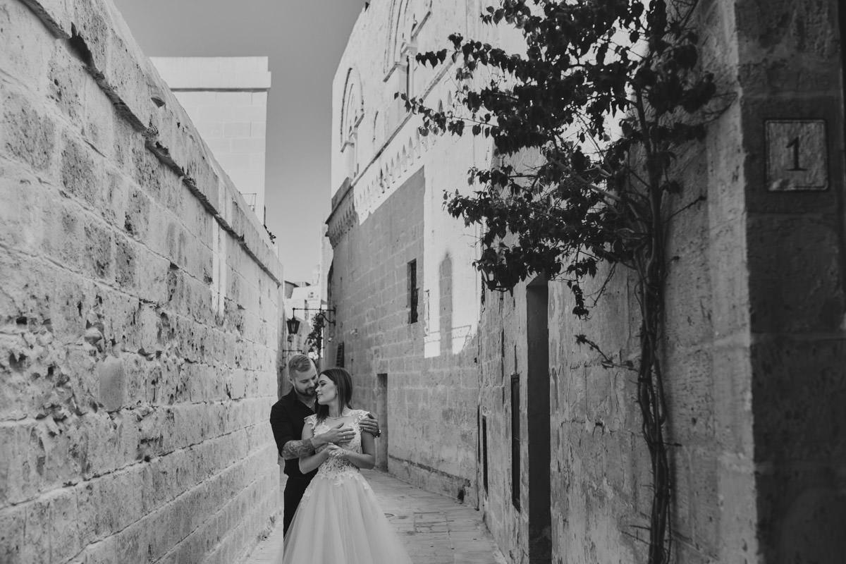 zdjecia ślubne malta - Mdina sesja ślubna