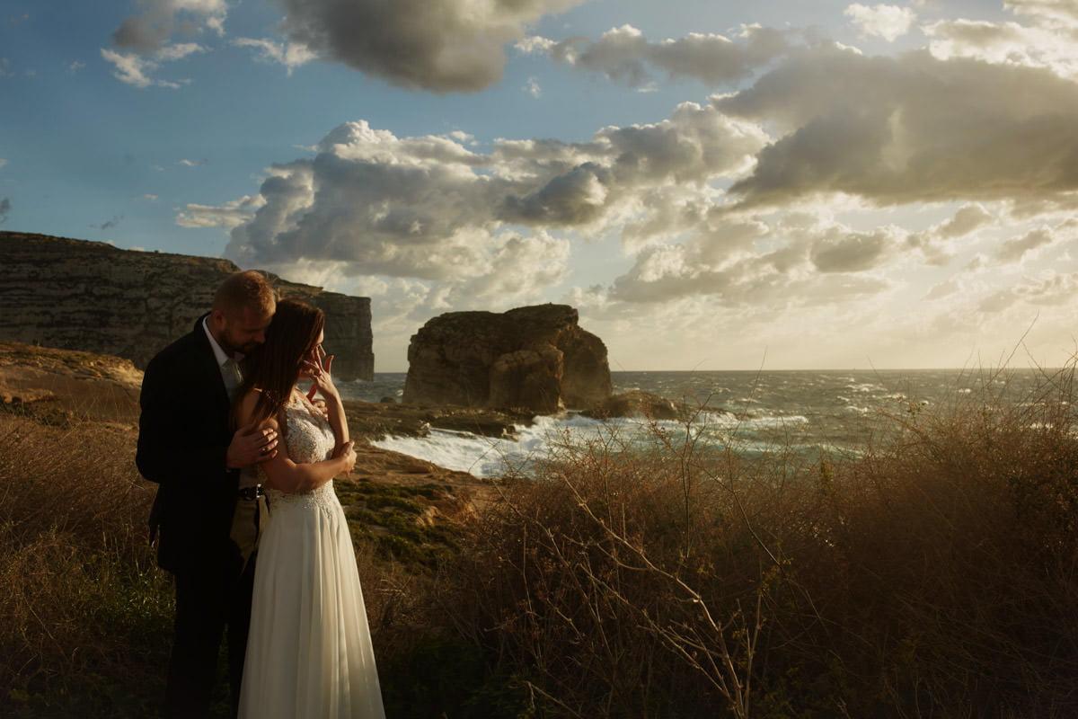 zdjecia ślubne malta - Fungus Rock - fotografia Przemek Białek
