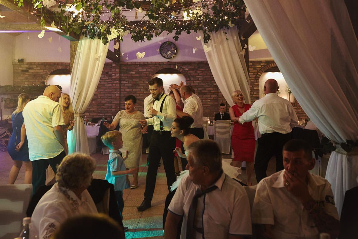 dworek ostep - na sali weselnej