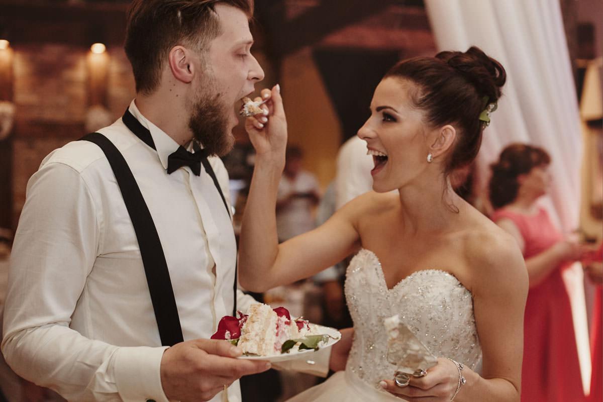 dworek ostep - koszotwania tortu ślubnego
