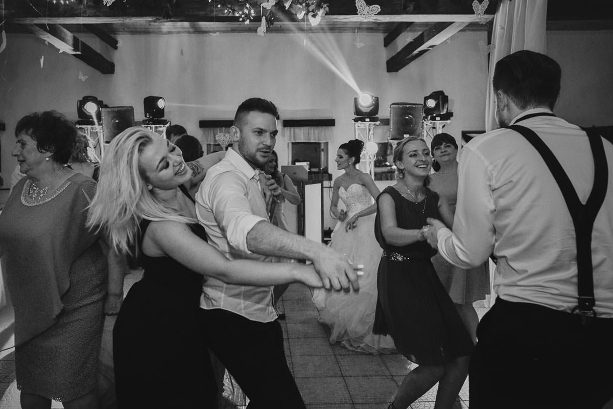 dworek ostep - szalone tańce