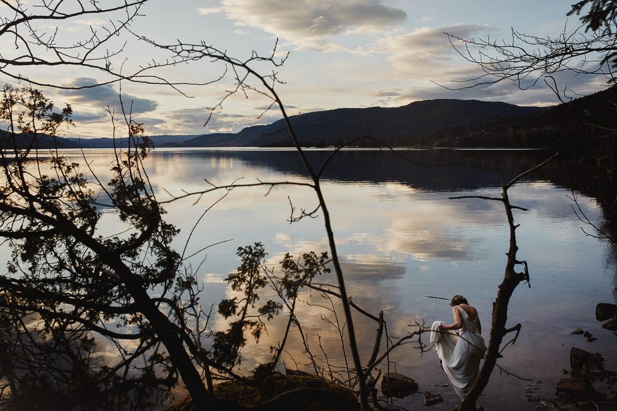 sesja na jeziorem w Norwegii