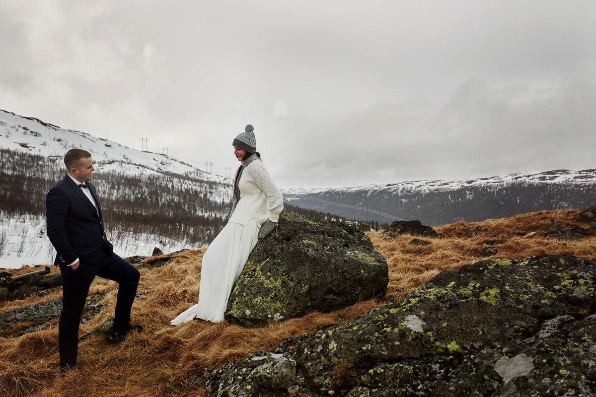 sesja ślubna w Norwegii na tle gór