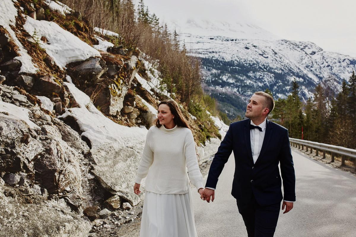 Państwo módzi na sesji w Norwegii