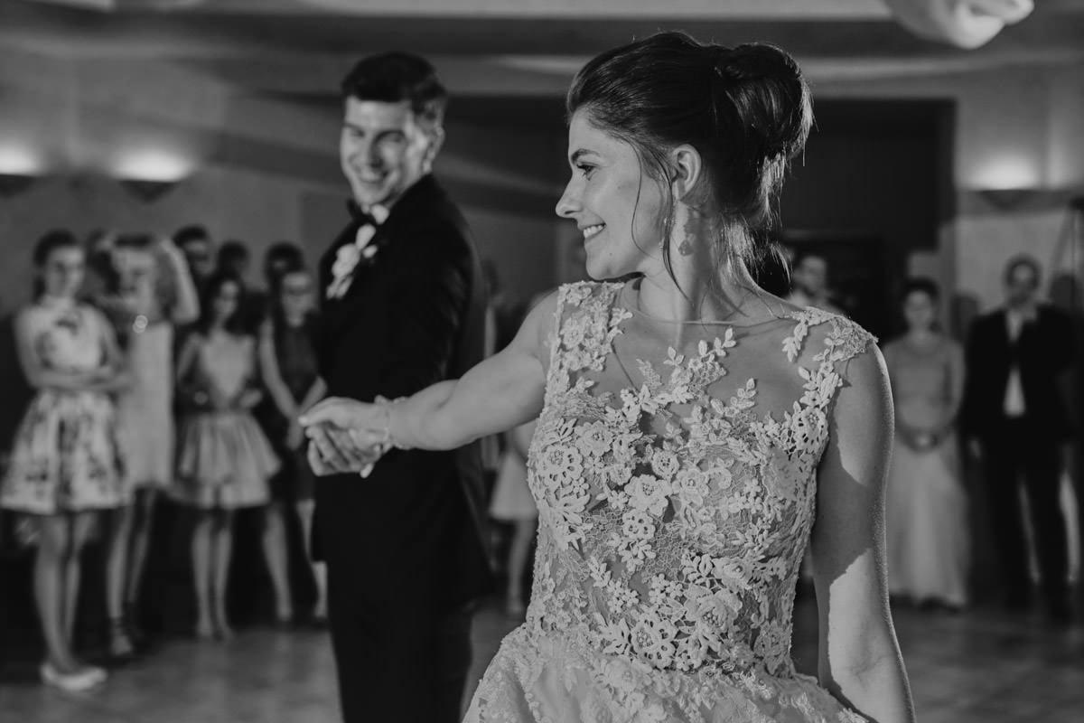 Villa Toskania - para w pierwszym tańcu