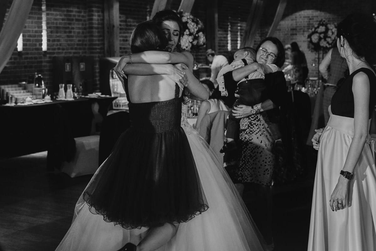 przytulenia na weselu
