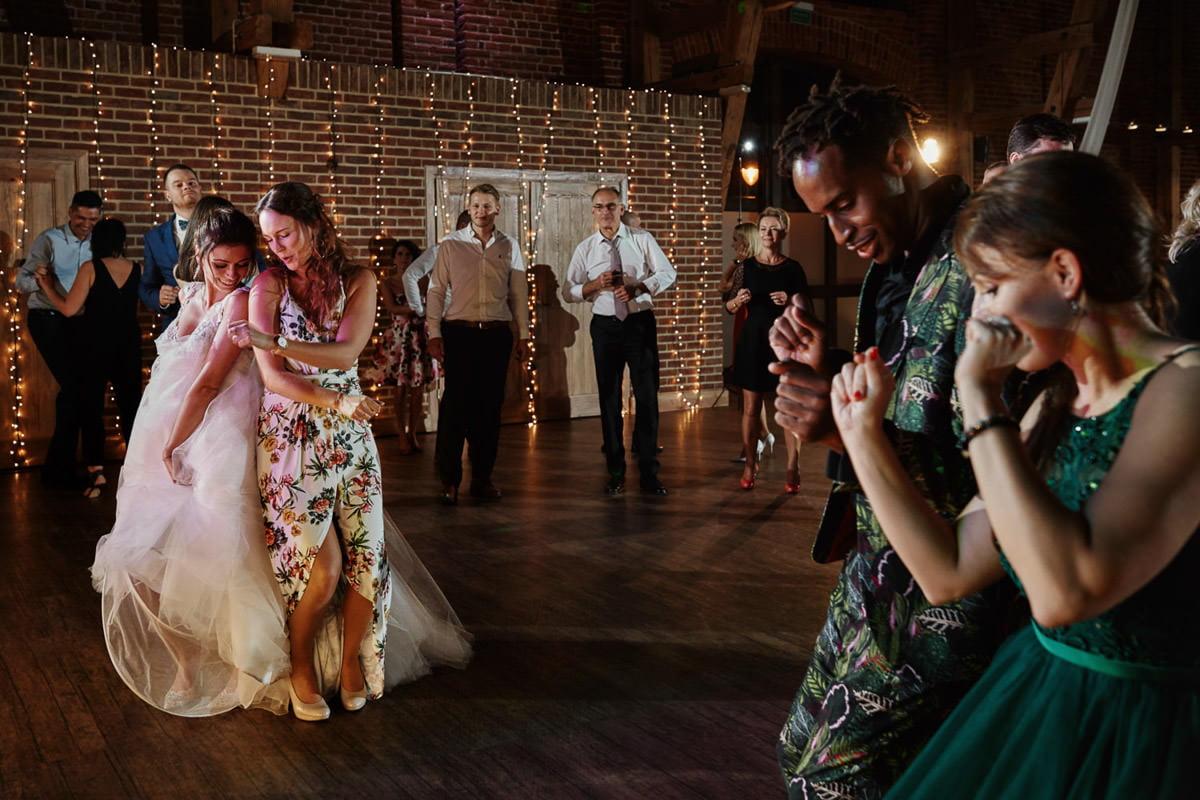 taniec synchorniczny, wesele