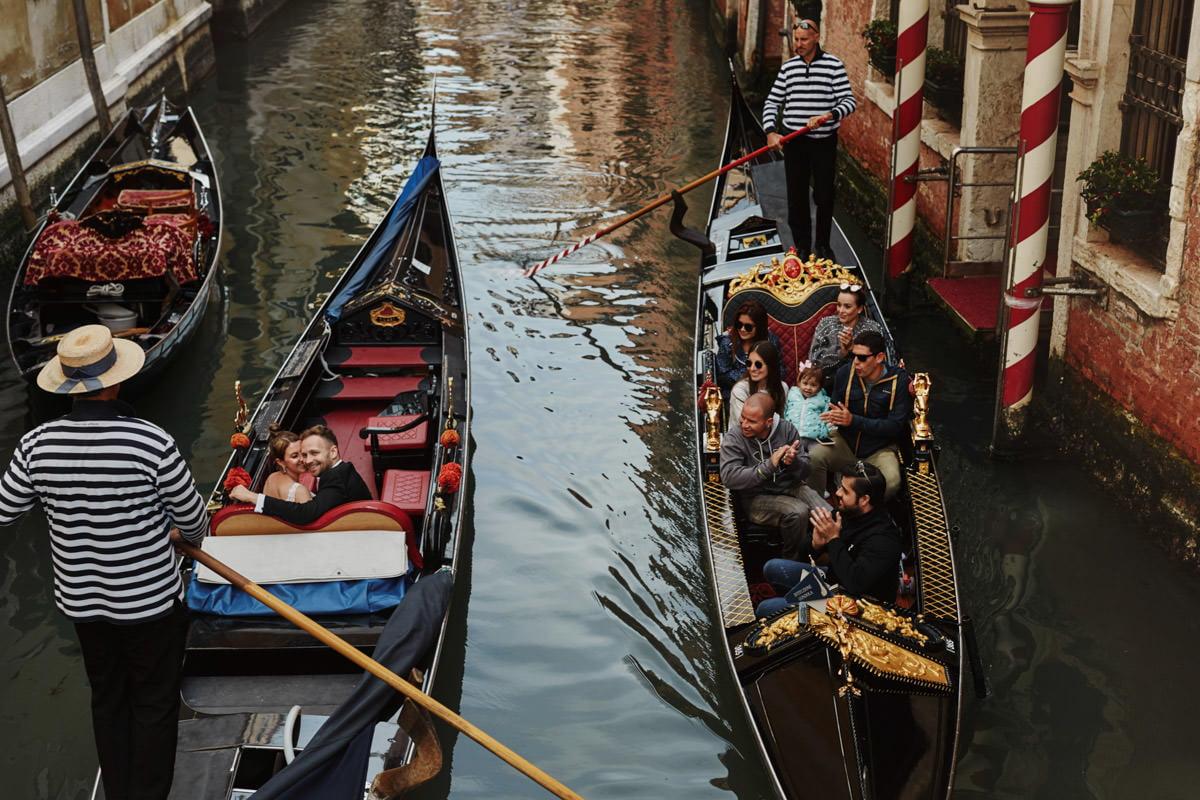 wenecja Gondole i turyści