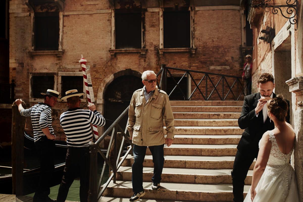 Gondolierzy w Wenecji
