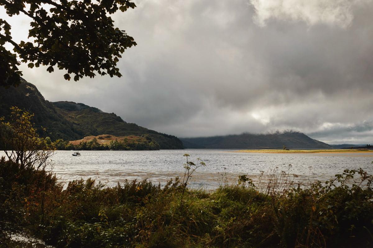 Widok na jezioro Szkocja