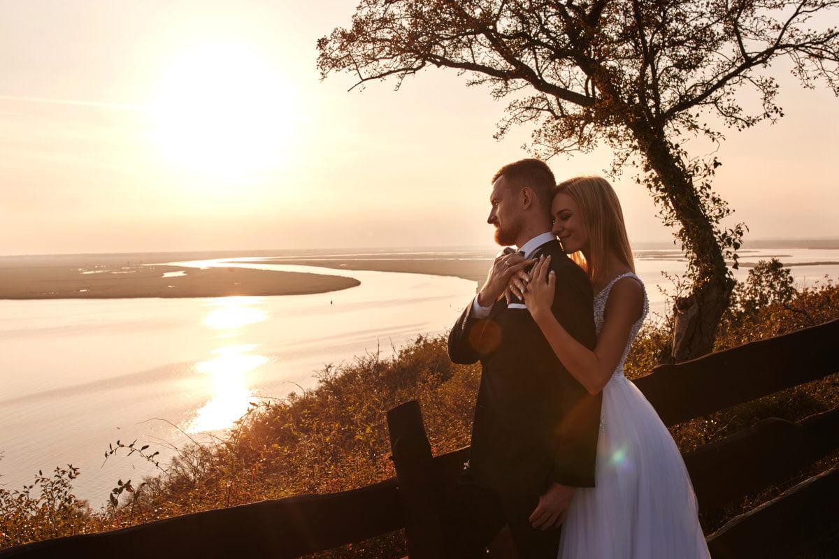 zdjęcia ślubne zachodniopomorskie, sesja nad jeziorem
