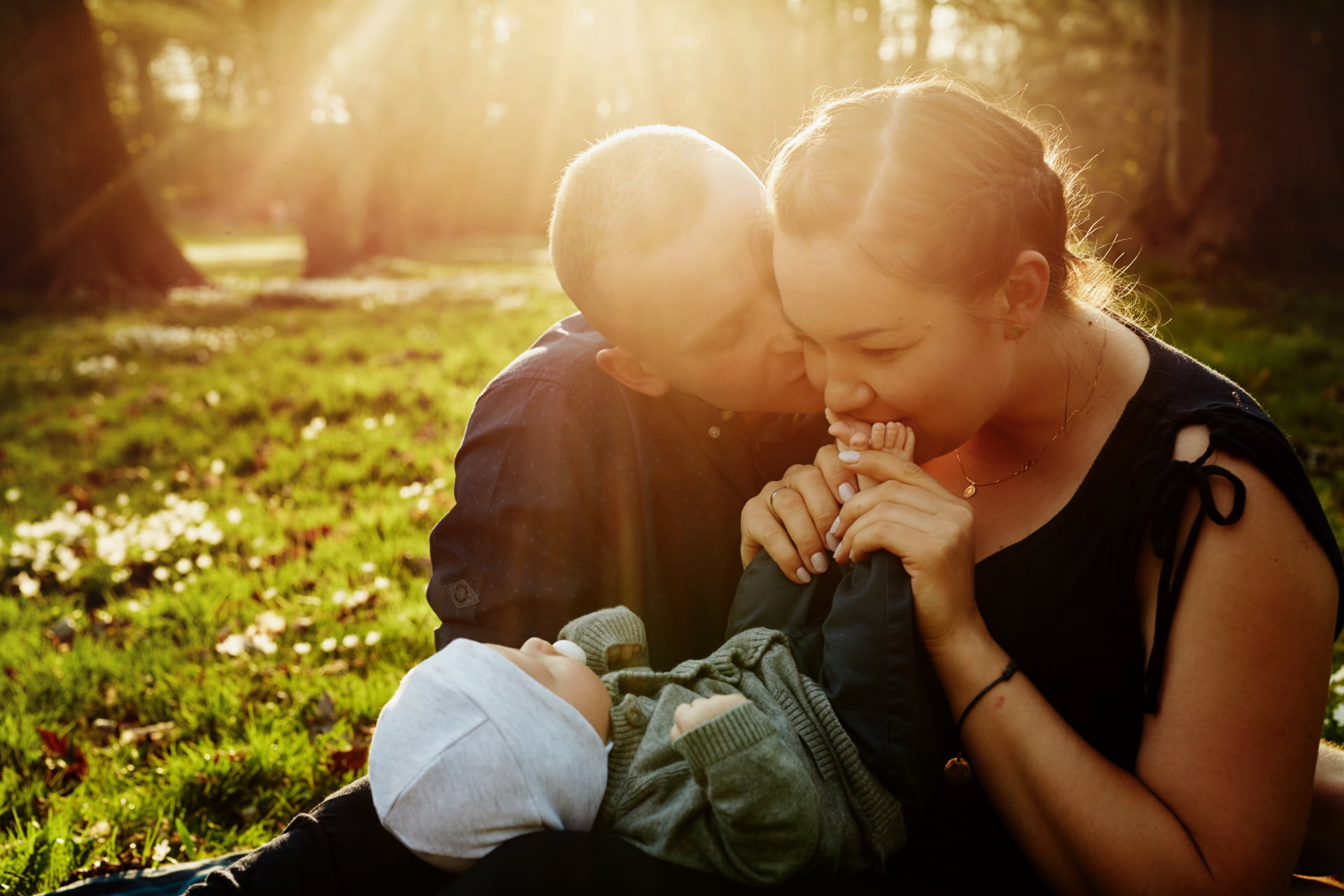 sesja rodzinna zdjęciowa z dzieckiem - fotografia rodzinna w wykonaniu Przemek Białek fotograf rodzinny Szczecin, Świnoujście