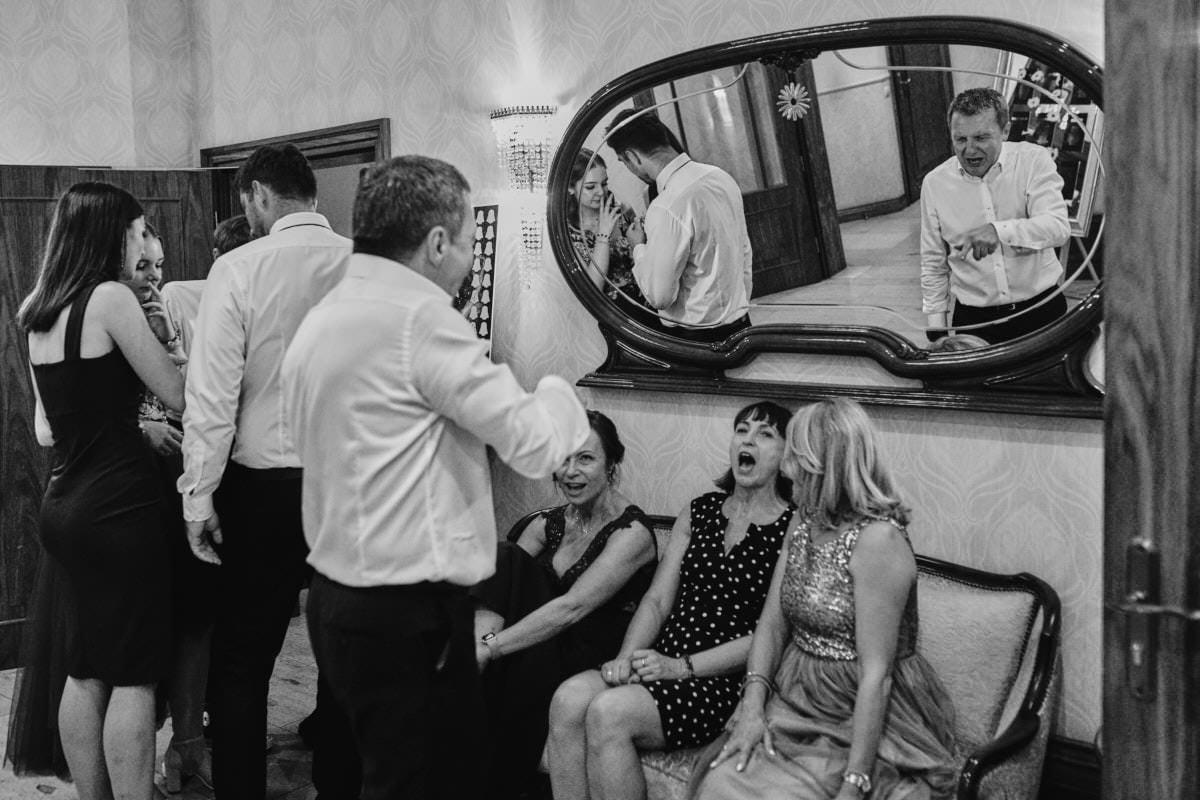 uśmiechy na weselu Rezydencja Luxury fotografia ślubna Szczecina