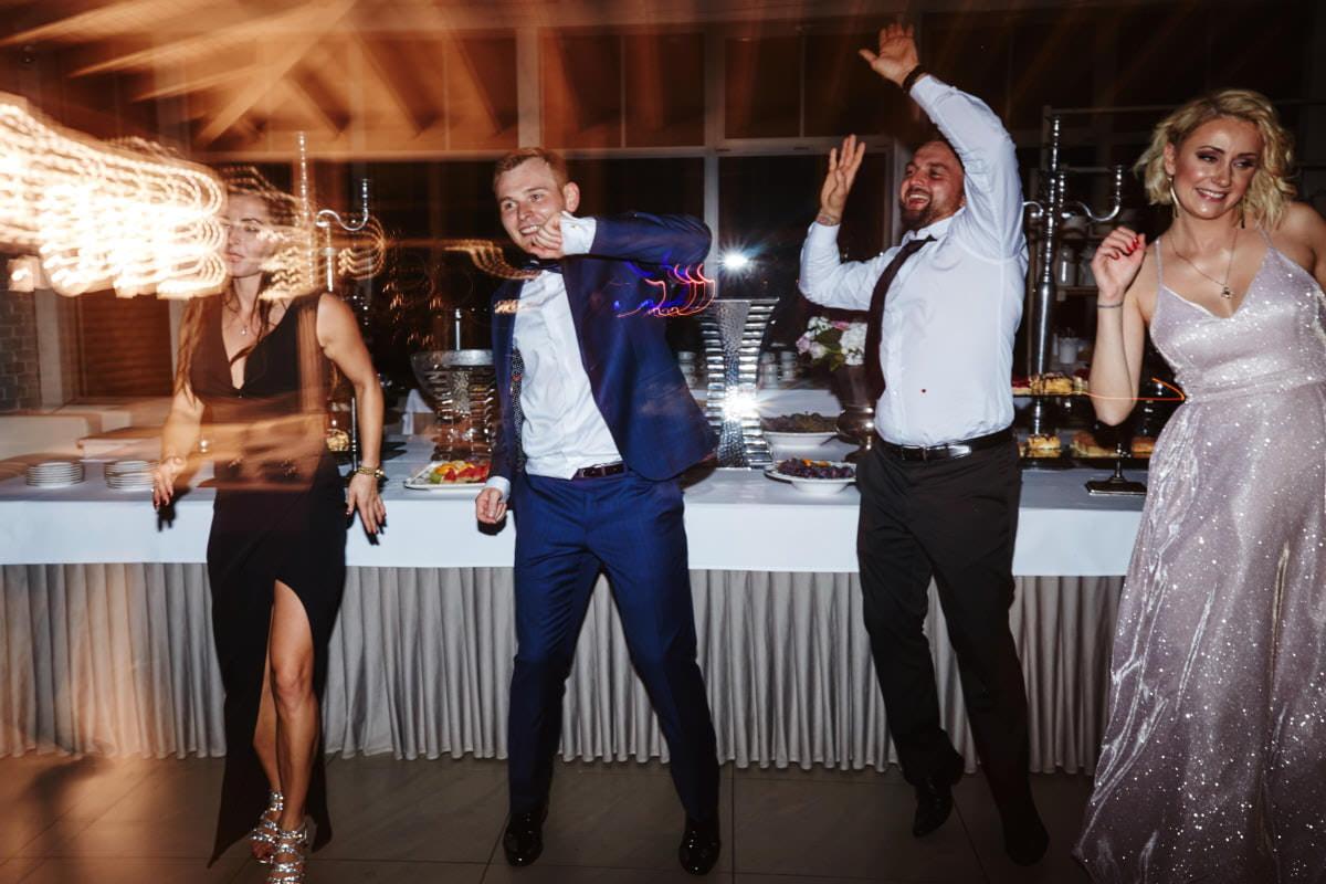 wesele u Śniezków - dynamiczny taniec
