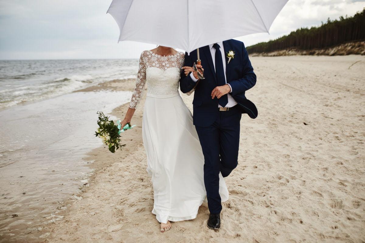 zdjęcia ślubne na plaży - fotografia Szczecin