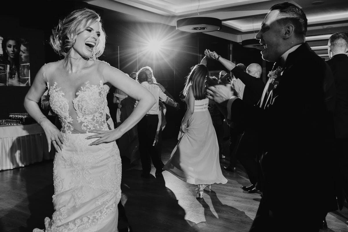 Para Młoda tańczy - wesele glamour