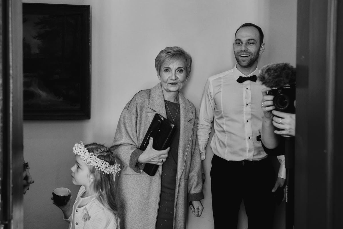 Pan Młdoy z rodziną