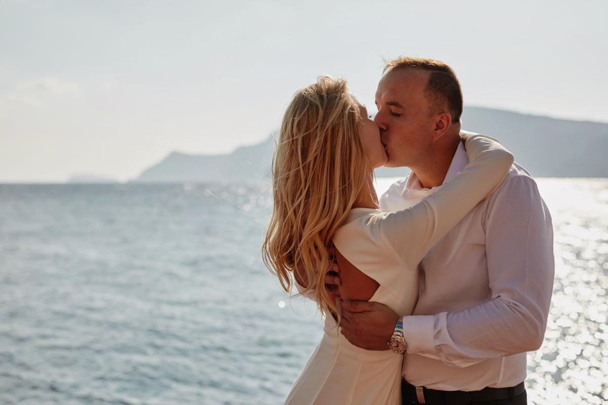 pocałunek nad morzem