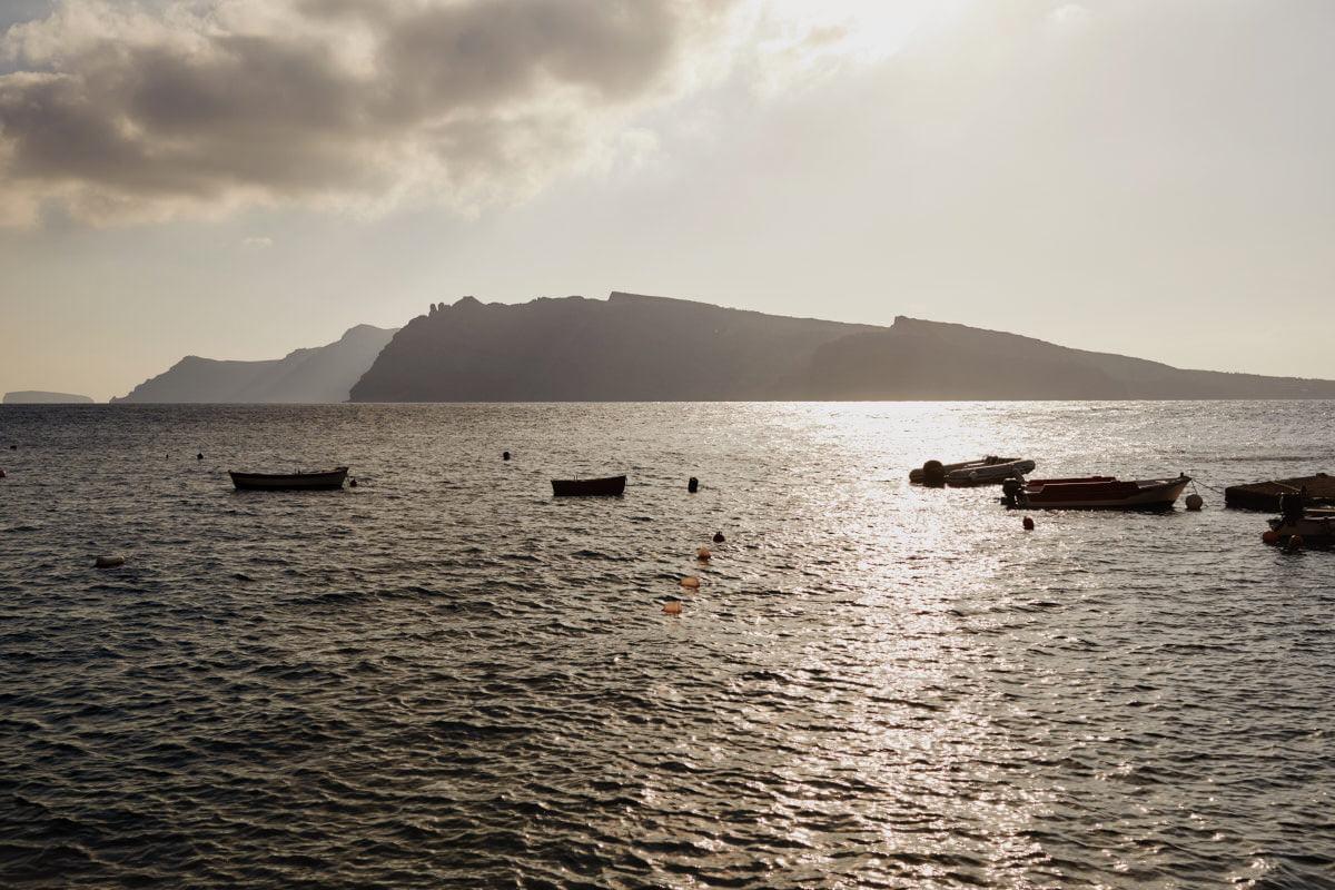 Santorini widok na wylkan