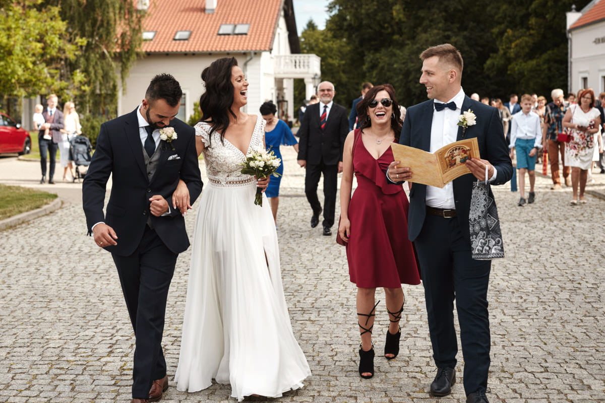 Nicole i Mateusz - Pałac Mortęgi plenerowy ślub kościelny 6